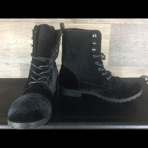 Hype Black Soft Boots Size 6